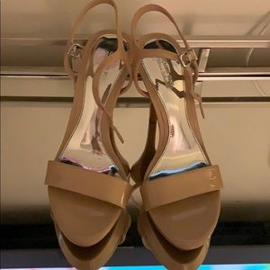 Nude patent leather Gianni Bini heels; size 6.5